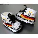 strickliene Babyschuhe Fußballschuhe gestrickt weiß